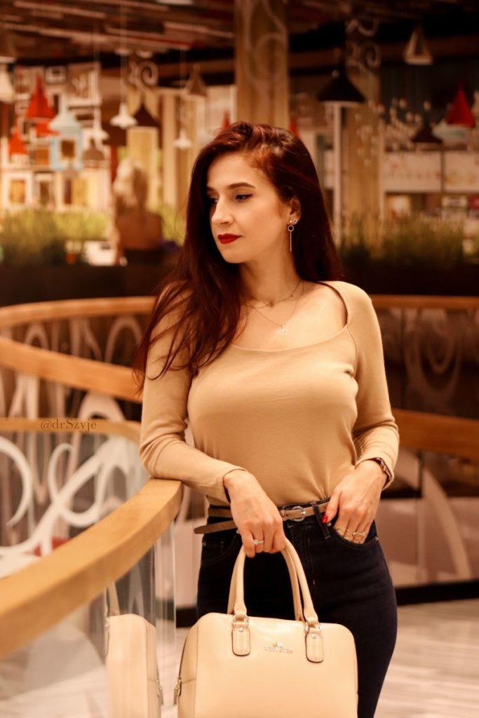 beżowa bluzka stylizacje