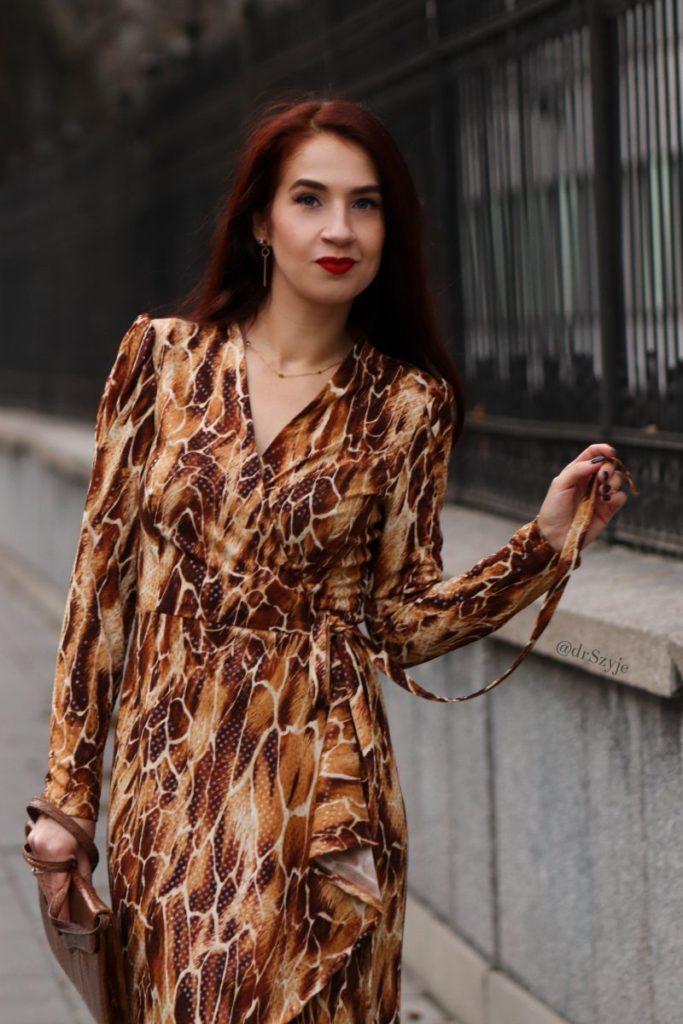sukienka kopertowa asymetryczna