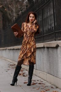 Sukienka kopertowa dopasowana