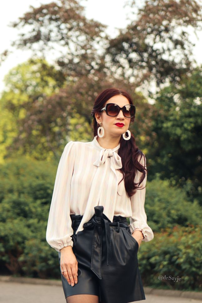 chic blouses for work